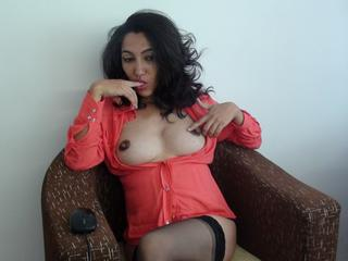 Samirra - Hot kinky woman here ;-)