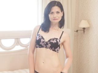 EVILENSA - I`d love to please you! I`m a hot type - always thinking about sex and always ready to talk about it. Are you in the mood to chat with me? Come in and tell me your fantasies!